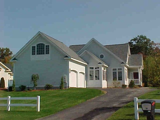 Contemporary, Single Family - Salem, NH (photo 1)