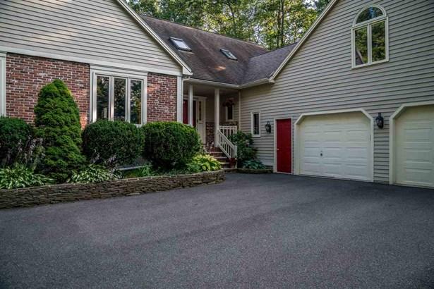 Cape, Single Family - Windham, NH (photo 2)