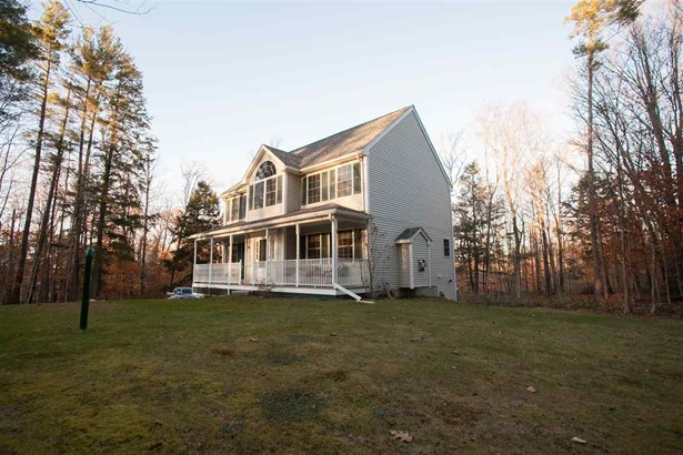 Colonial, Single Family - Northwood, NH (photo 4)