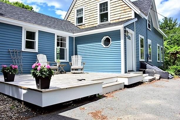 New Englander, Single Family - Plaistow, NH (photo 2)