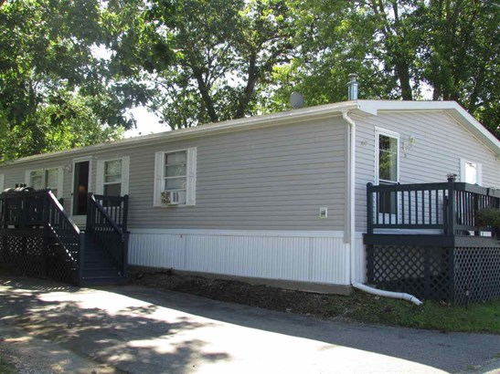 Double Wide, Single Family - Derry, NH (photo 2)