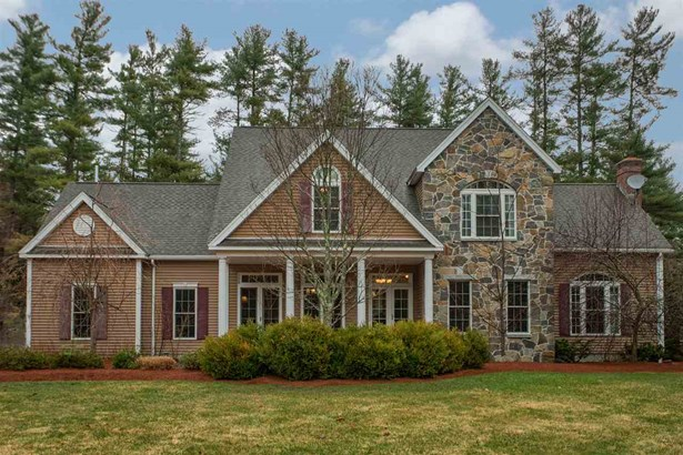 Colonial,Contemporary, Single Family - Hollis, NH (photo 1)