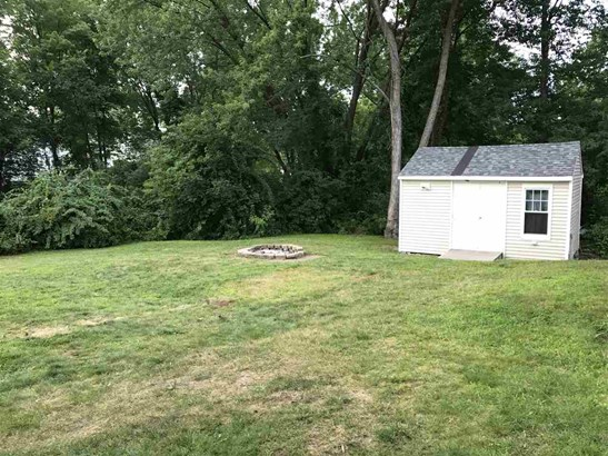 Bungalow, Single Family - Derry, NH (photo 3)