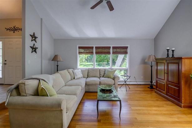 Contemporary, Single Family - Salem, NH (photo 5)