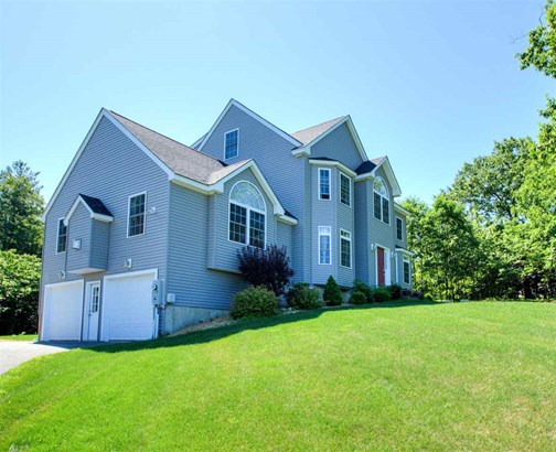 Colonial, Single Family - Sandown, NH (photo 3)
