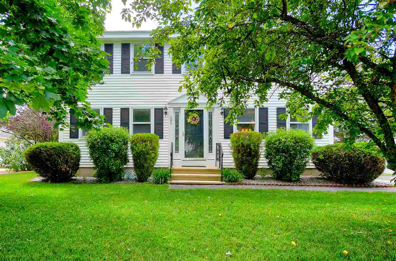 Colonial, Single Family - Manchester, NH (photo 1)