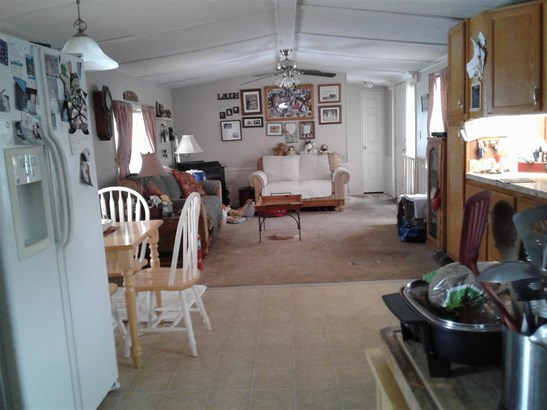 Mobile Home, Single Wide - Exeter, NH (photo 2)