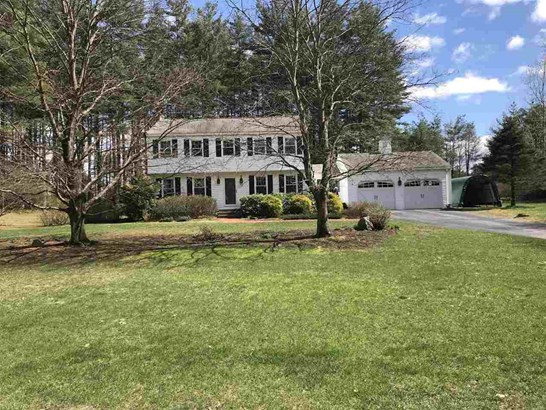 Colonial, Single Family - Litchfield, NH (photo 1)