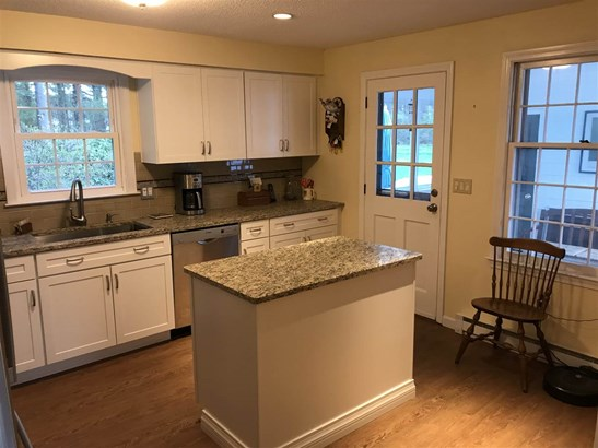 Colonial, Single Family - Litchfield, NH (photo 5)