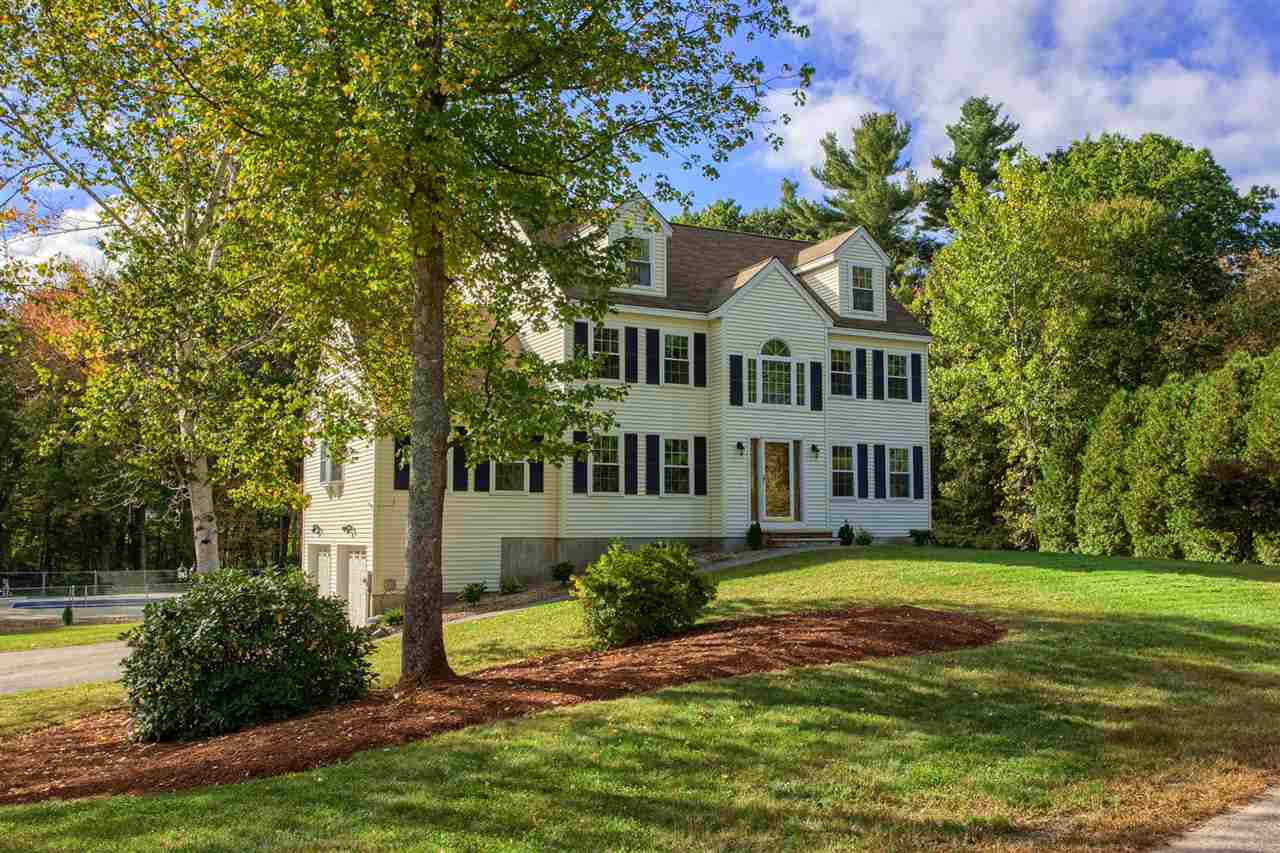 Colonial, Single Family - Pelham, NH (photo 2)