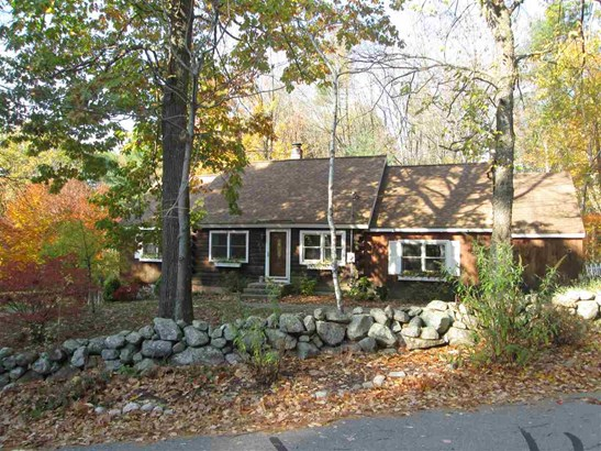 Cape, Single Family - Amherst, NH (photo 2)