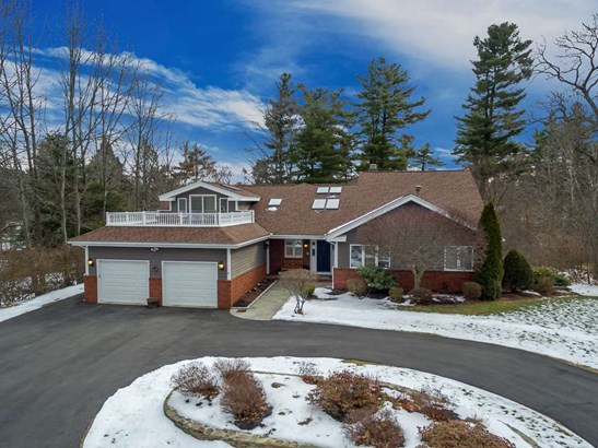 Cape,Contemporary,Ranch,Walkout Lower Level, Single Family - Salem, NH (photo 1)