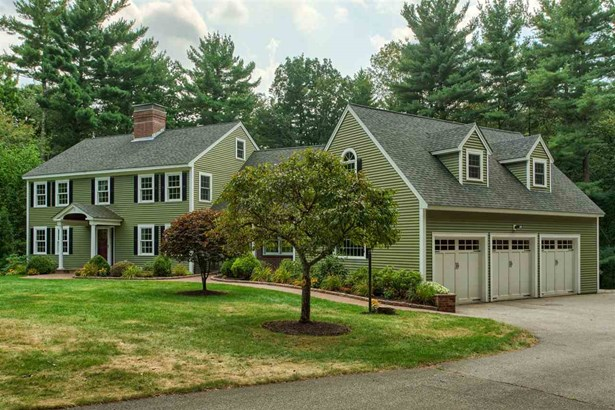 Colonial, Single Family - Plaistow, NH (photo 5)