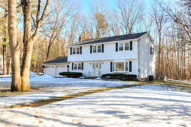 Colonial, Single Family - Hudson, NH (photo 2)