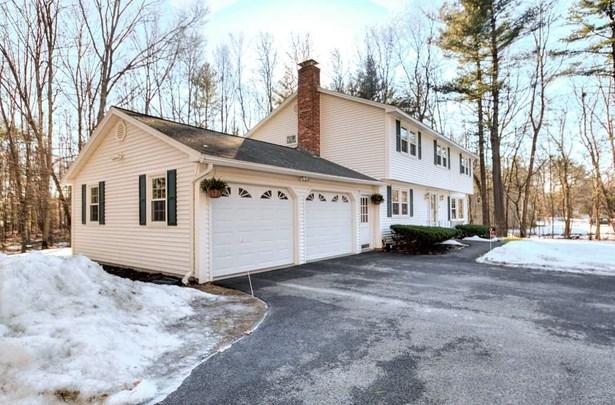Colonial, Single Family - Hudson, NH (photo 3)