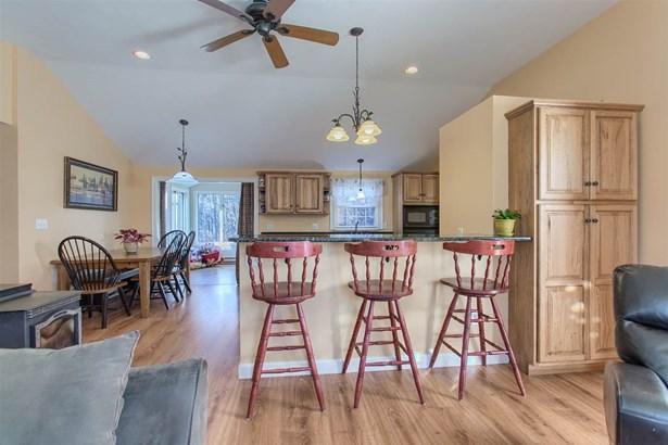 Ranch, Single Family - Pelham, NH (photo 2)