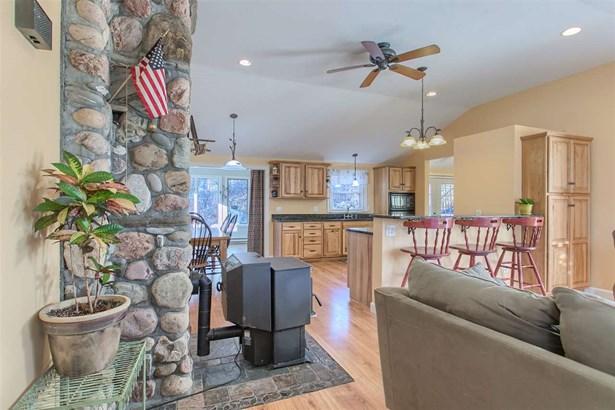 Ranch, Single Family - Pelham, NH (photo 3)