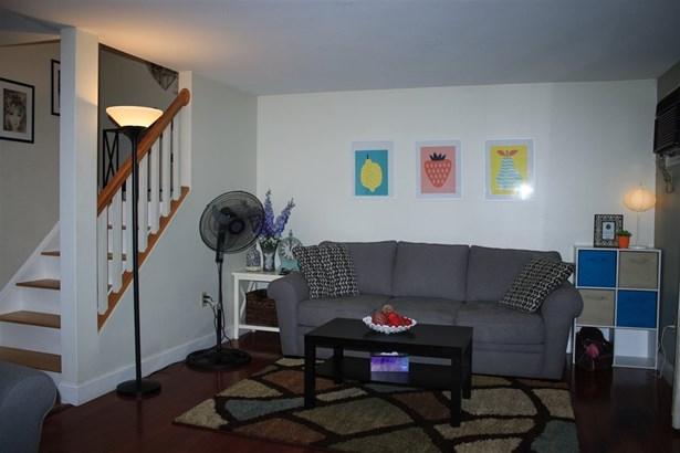 Condo, Contemporary - Merrimack, NH (photo 4)
