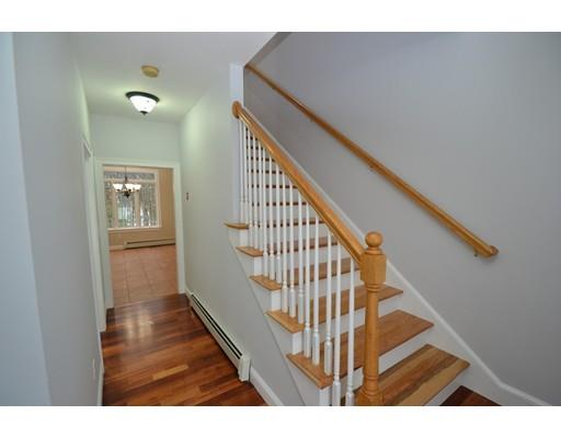 264 Hampstead St, Methuen, MA - USA (photo 5)