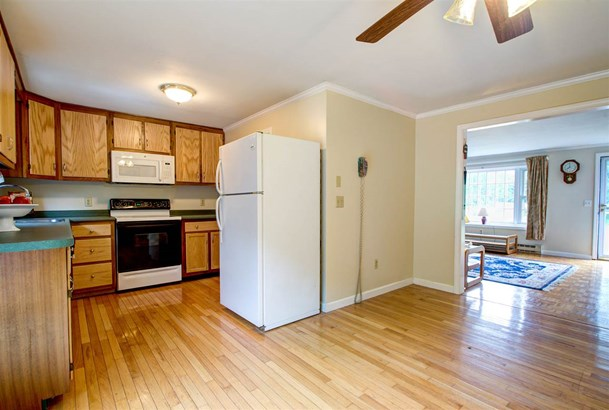 Townhouse, Condo - Londonderry, NH (photo 5)
