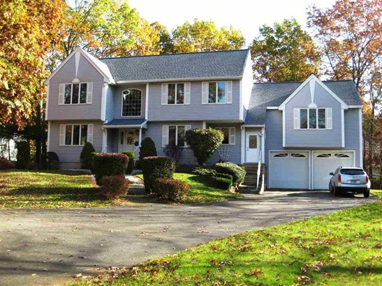 Colonial, Single Family - Salem, NH (photo 1)