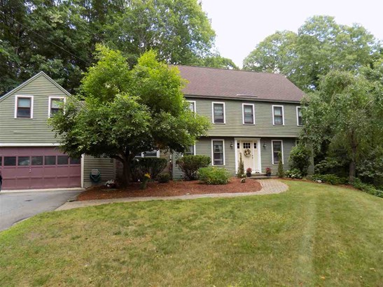 Colonial,Garrison, Single Family - Derry, NH