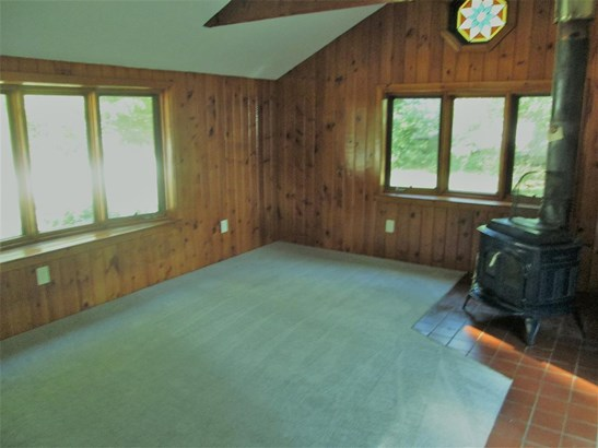 Ranch, Single Family - Franklin, NH (photo 4)
