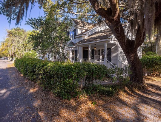 Condo/Townhouse, Two Story - Beaufort, SC