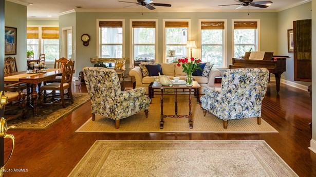 Ranch w/Bonus Room Over Garage, Single Family - Beaufort, SC (photo 2)