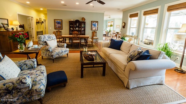 Ranch w/Bonus Room Over Garage, Single Family - Beaufort, SC (photo 3)