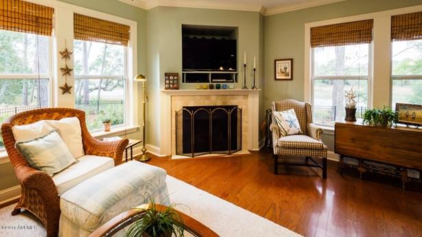 Ranch w/Bonus Room Over Garage, Single Family - Beaufort, SC (photo 5)