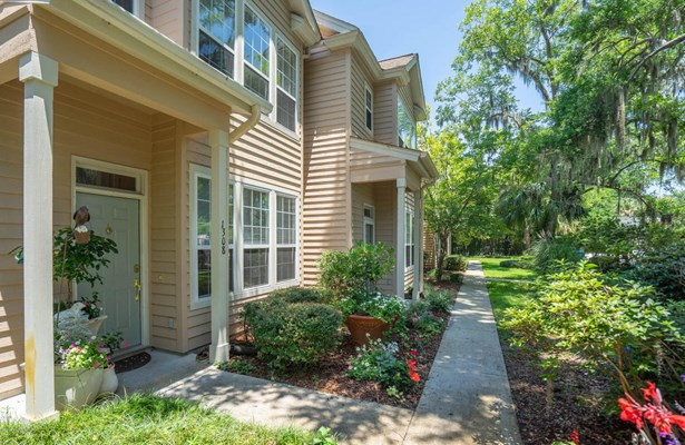 Condo/Townhouse, Two Story - Beaufort, SC (photo 1)