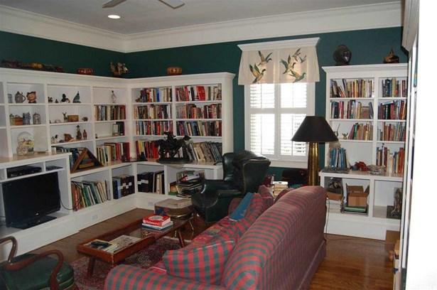 Ranch w/Bonus Room Over Garage, Single Family - Beaufort, SC (photo 4)