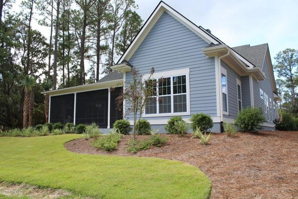 Ranch w/Bonus Room Over Garage, Single Family - Dataw Island, SC (photo 3)
