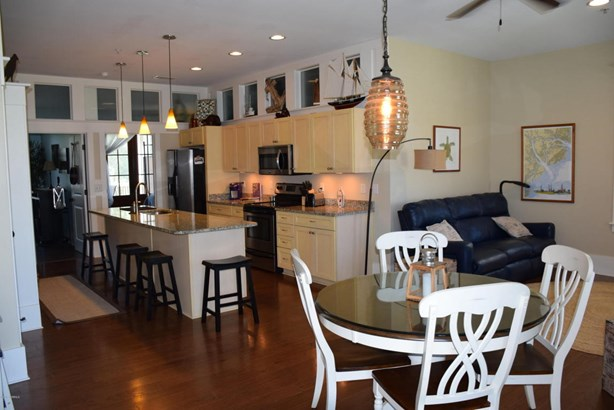 Condo/Townhouse - Beaufort, SC (photo 2)