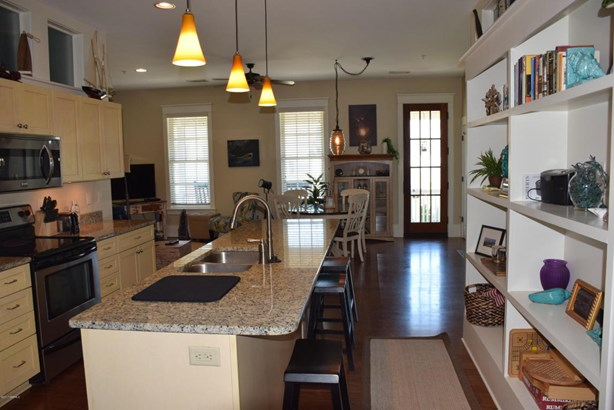 Condo/Townhouse - Beaufort, SC (photo 5)