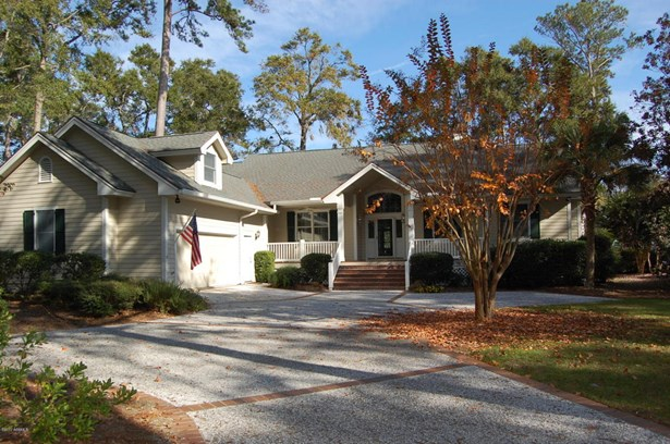 Ranch w/Bonus Room Over Garage, Single Family - Dataw Island, SC (photo 1)