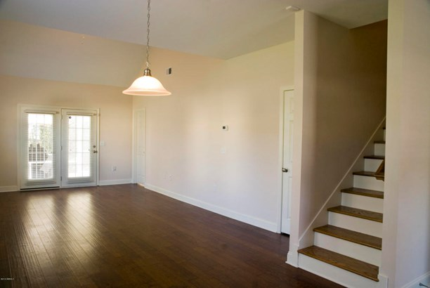 Condo/Townhouse, Two Story - Beaufort, SC (photo 2)