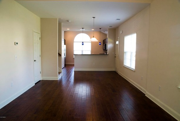 Condo/Townhouse, Two Story - Beaufort, SC (photo 3)