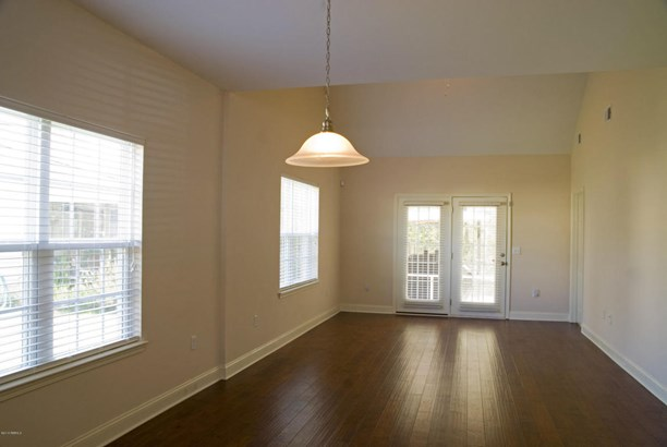 Condo/Townhouse, Two Story - Beaufort, SC (photo 4)