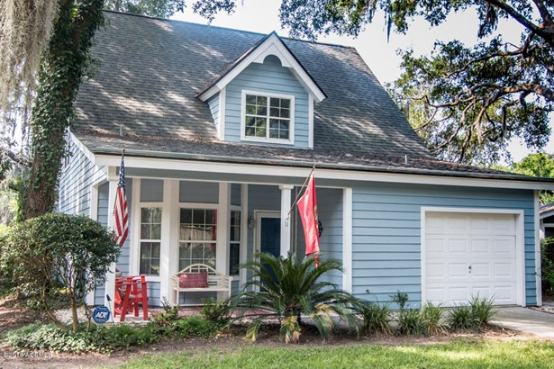 Two Story, Single Family - Port Royal, SC