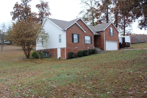 Residential/Single Family - Burns, TN (photo 2)