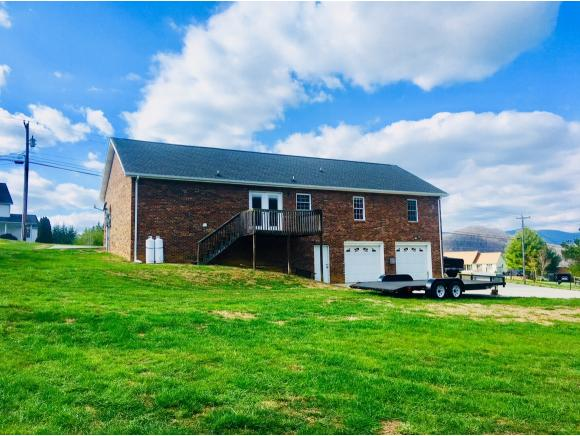 Residential/Single Family - Elizabethton, TN (photo 5)
