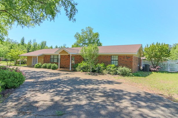 Residential/Single Family - Caledonia, MS