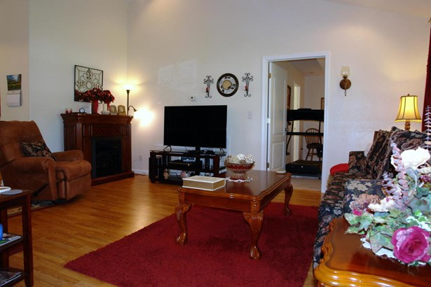 Residential/Single Family - Grimsley, TN (photo 2)