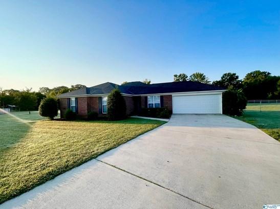 Single Family Residence - New Market, AL