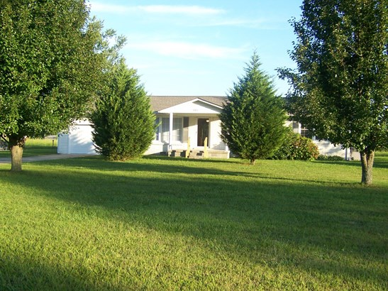 Residential/Single Family - Lawrenceburg, TN (photo 4)