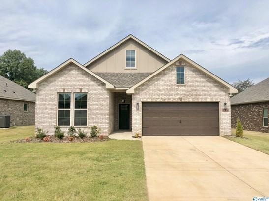 Single Family Residence - Huntsville, AL