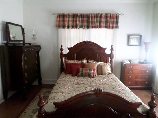 Residential/Single Family - Selmer, TN (photo 5)