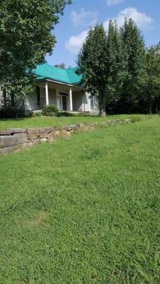 Residential/Single Family - Elkton, TN (photo 1)
